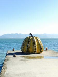 直島の黄かぼちゃ